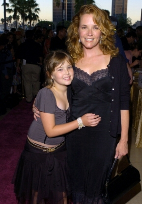 Zoey Deutch and family 2004