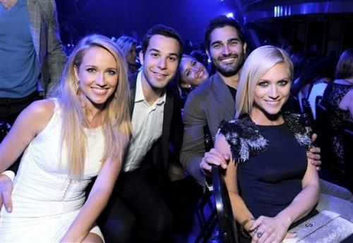 Tyler Hoechlin پیپر وال probably with a bridesmaid and a سٹریٹ, گلی titled ° Tyler Hoechlin ♥ Brittany Snow °