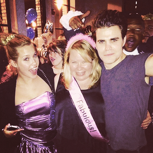 @claireholt: TVD ラップ party - @julieplec prom queen! (Apr 20, 2013)