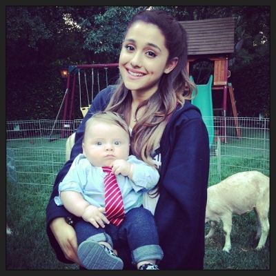 Ariana Grande karatasi la kupamba ukuta probably with a kondoo, mwana-kondoo and a neonate titled 26.June.2013 - Having a Harry Potter Themed Party for her 20th Birthday with her friends&family