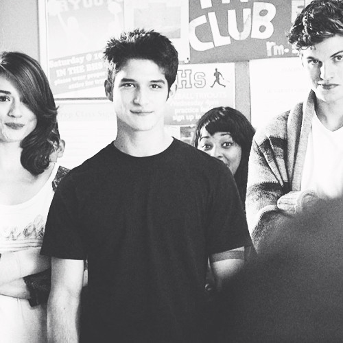 Teen lupo wallpaper possibly containing a sign and a portrait called Allison x Scott x Isaac