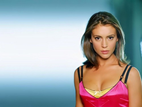 alyssa milano wallpaper probably containing a portrait called Alyssa Milano wallpaper