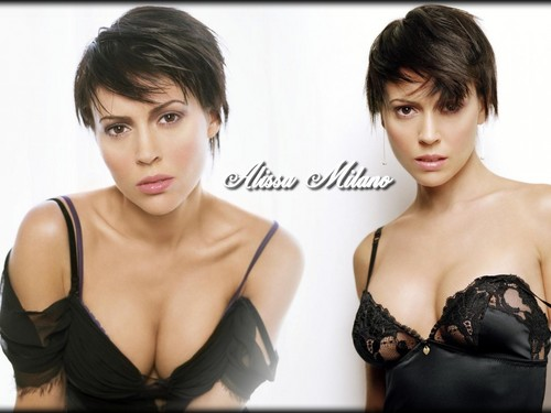 Alyssa Milano kertas dinding possibly containing attractiveness and a portrait called Alyssa Milano kertas dinding