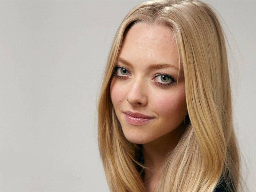 Amanda Seyfried Wallpaper Amanda Seyfried