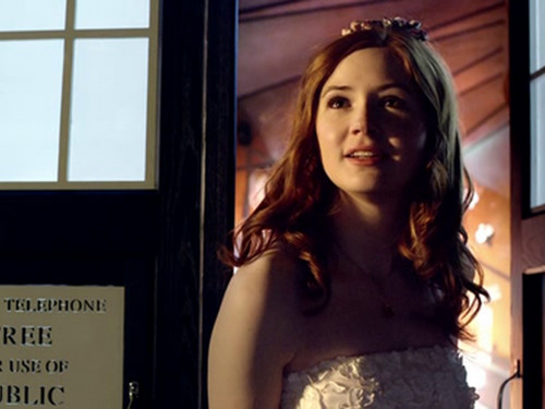 Amy Pond वॉलपेपर probably containing a कॉकटेल dress, attractiveness, and a bridesmaid titled Amy :)
