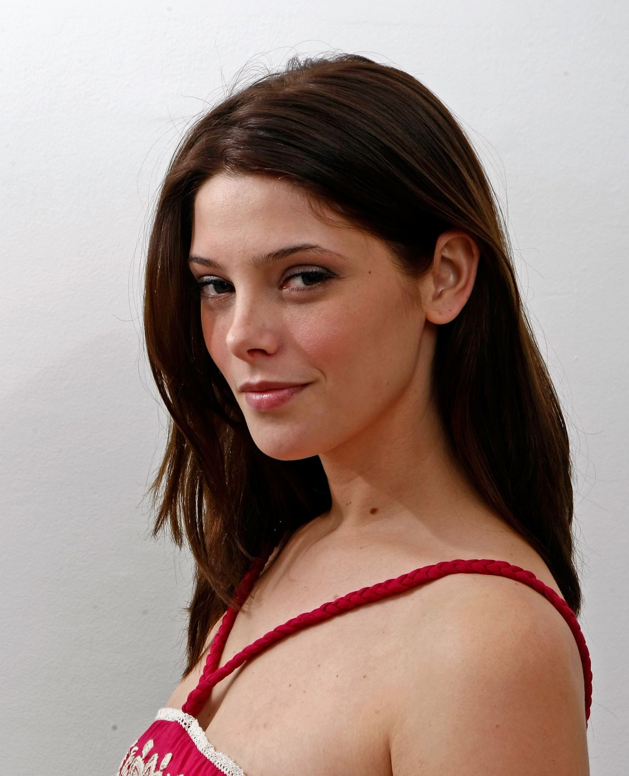 Ashley - ashley-greene...