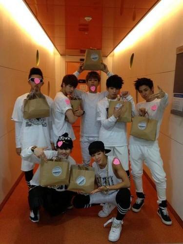 बी टी एस /Bangtan Boys/