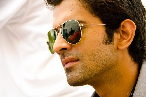 Barun Sobti wallpaper with sunglasses entitled Barun