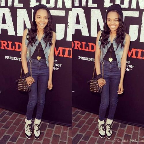 China Anne McClain 壁紙 possibly containing a hip boot, a well dressed person, and a pantleg, パンツレッグ titled China Anne Mcclain