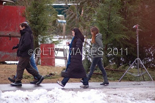 renesmee carlie cullen wallpaper entitled Christie Burke on set