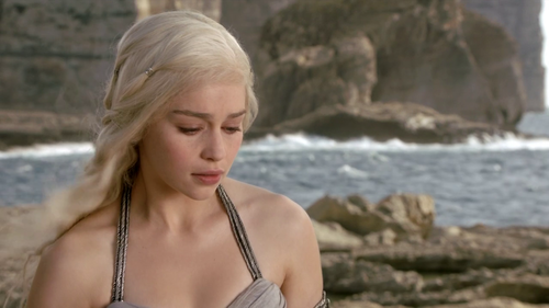Daenerys Targaryen - 1x01 - Winter is Coming