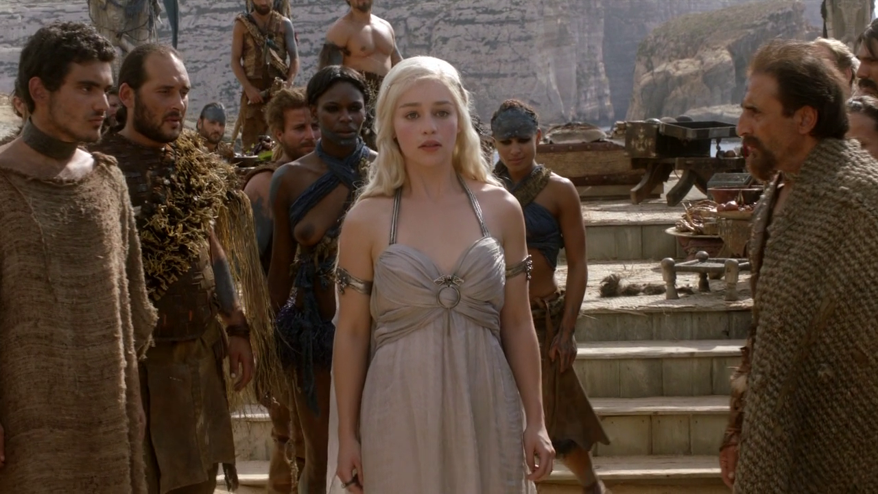 Daenerys Targaryen - 1x01 - Winter is Coming