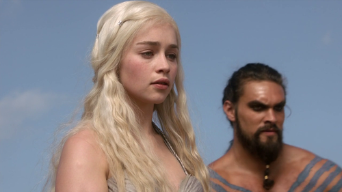 Daenerys Targaryen karatasi la kupamba ukuta with a portrait called Daenerys Targaryen - 1x01 - Winter is Coming