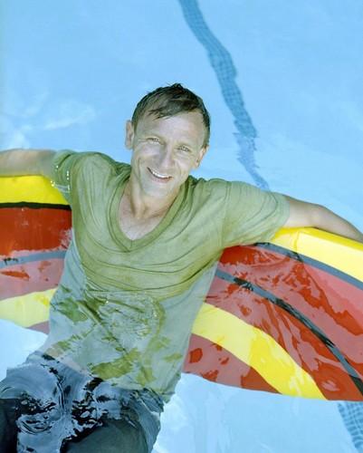 Daniel Craig Hintergrund entitled Daniel Craig