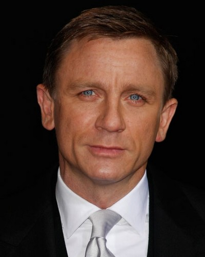 Daniel Craig Hintergrund containing a business suit and a suit called Daniel Craig