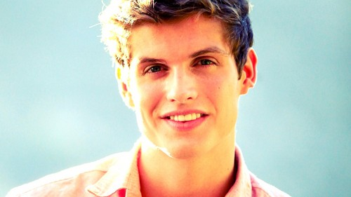 Daniel Sharman wallpaper probably with a portrait entitled Daniel Sharman