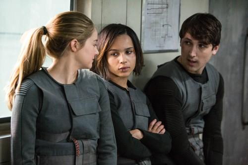 Divergent Movie Stills {+ Bangtan Boys Photo} - HQ/Untagged
