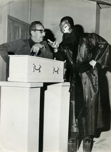 The Phantom Of The Opera wallpaper containing an electric refrigerator called EL FANTASMA DE LA ÓPERA/1960 TV