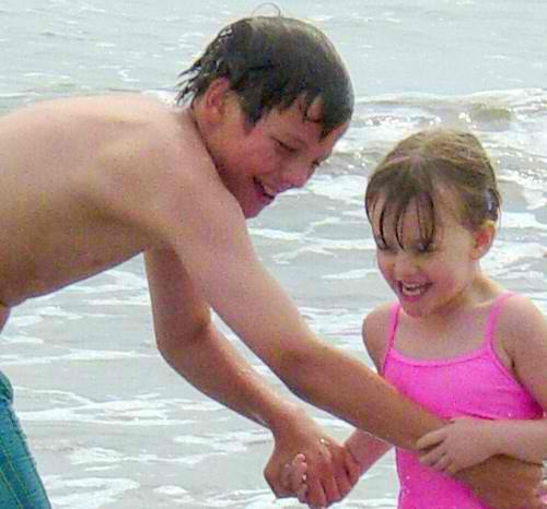 Felicite with her brother when she was little f 233 licit 233 tomlinson