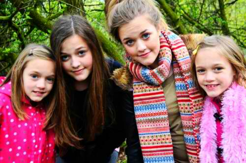 Fizzy Tomlinson Wikipedia: Félicité Tomlinson Images Felicite With Her Sisters