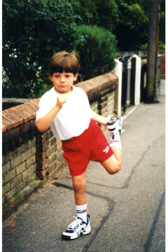 Louis Tomlinson wallpaper containing a street entitled Fetus Lou :)