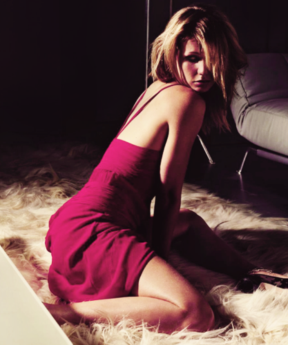 Gwyneth Paltrow wallpaper probably containing a leotard, a hot tub, and tights called Gwyneth Paltrow