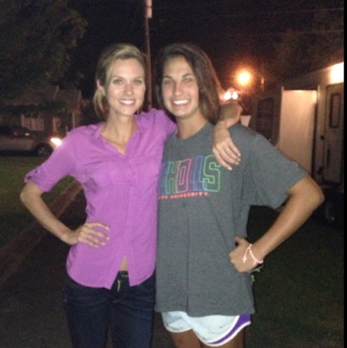 Hilarie burton and fan in Lafayette, LA on set of Papa Noel