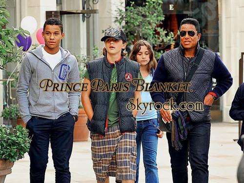 Jaafar Jackson, Prince Jackson, Paris Jackson And Jermaine Jackson in Calabasas 2011 ♥♥