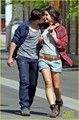 Josh Hutcherson & Claudia Traisac ciuman After Motorcycle Ride! [HQ]