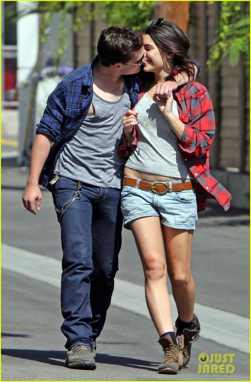 Josh Hutcherson & Claudia Traisac baciare After Motorcycle Ride! [HQ]