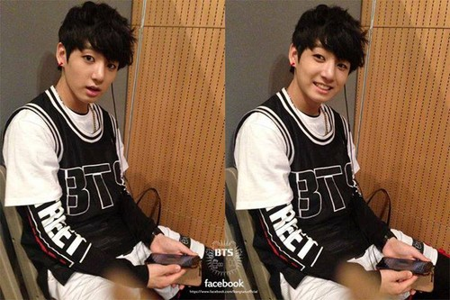防弹少年团 壁纸 with a bearskin entitled JungKook <3