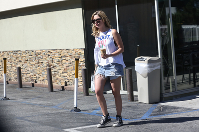 LEAVING Starbucks COFFEE IN LOS ANGELES (JUNE 26TH, 2013)