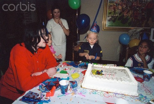 Prince Michael Jackson wallpaper with a sign entitled Michael Jackson with his kids Paris Jackson and Prince Jackson ♥♥