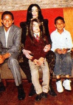 Michael Jackson with his son Blanket (middle) & nephews Jaafar Jackson & Royal Jackson ♥♥