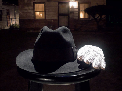 Michael's Fedora And Trademark White 장갑