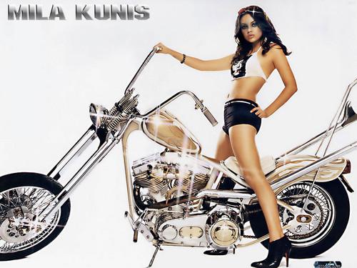Mila Kunis achtergrond titled Mila Kunis