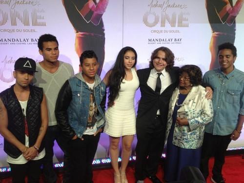 Omer, Randy Jr, Jermajesty, Remi, Prince, Katherine And Donte (Jackson Family) 2013