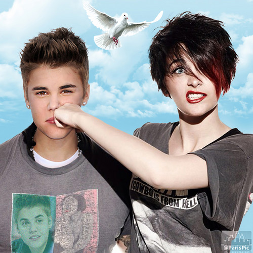 Paris Jackson Fight Justin Bieber (@ParisPic)