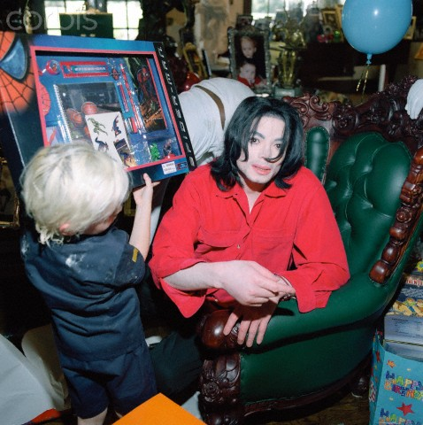 Prince Jackson and his daddy Michael Jackson ♥♥