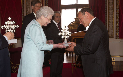 queen Elizabeth II Hosts a Reception in Londres