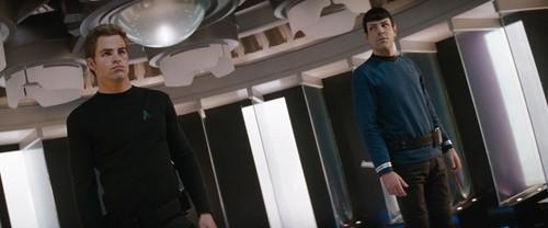 звезда Trek (2009) *HQ*