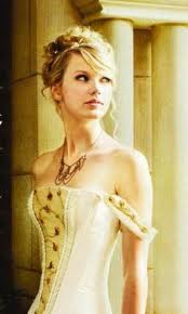 Taylor Swift wallpaper containing a portrait called Taylor on Love Story