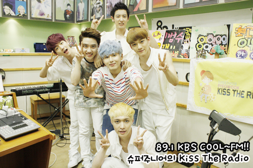 Yixing, Baekhyun, Kyungsoo, Chen and Chanyeol @ Sukira's Healing Cafe