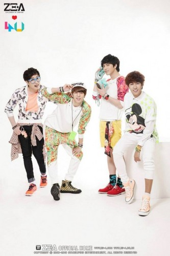 ZE:A4U dyaket mga litrato from Japanese debut album 'Oops!!'