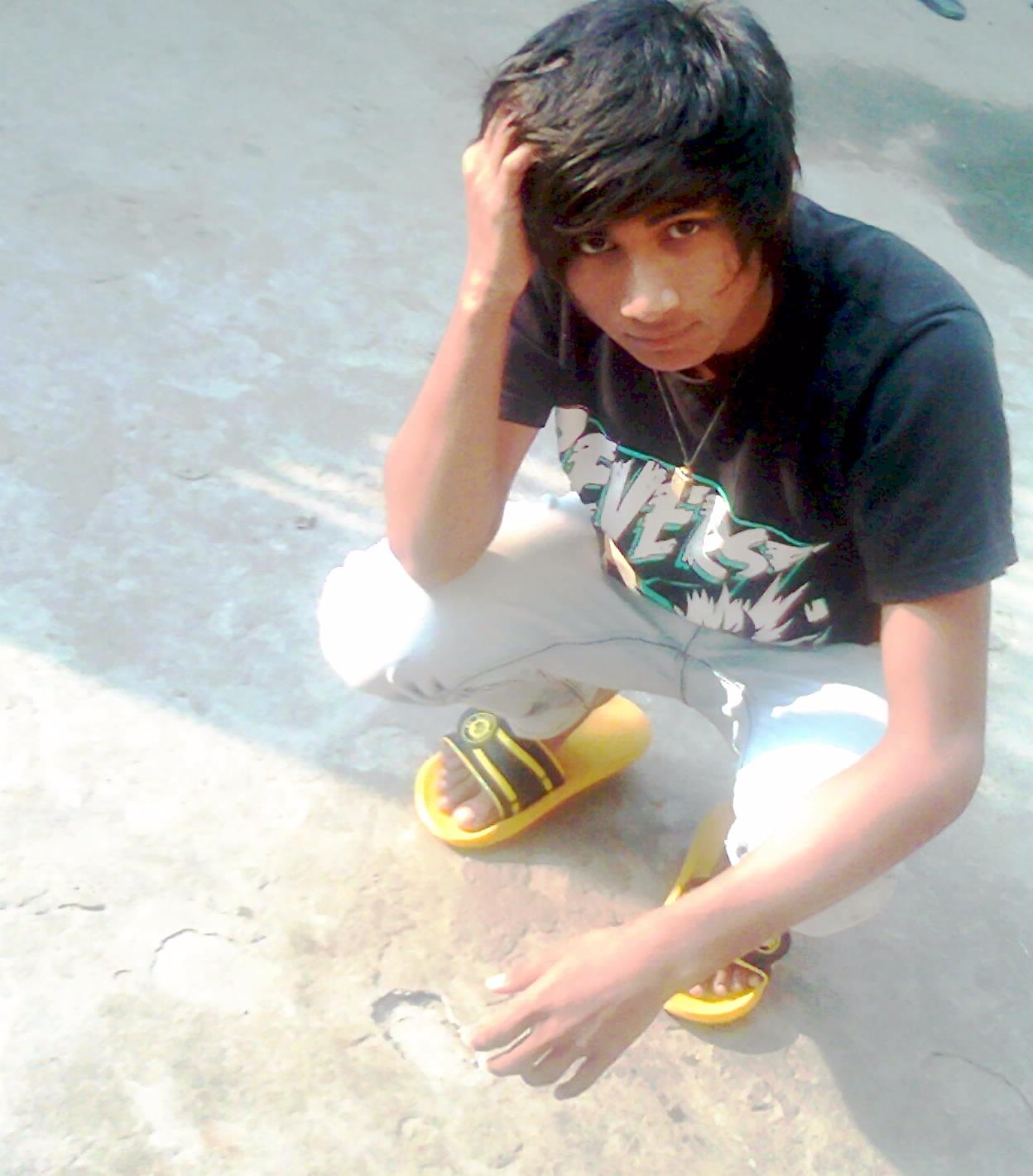 indian エモ boy