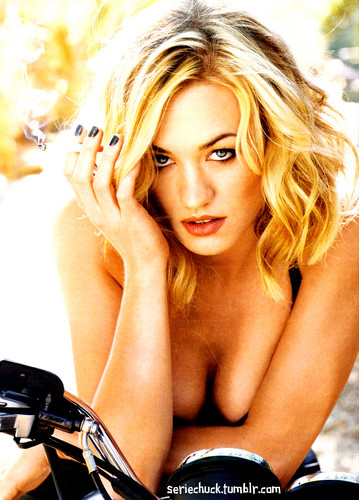 Yvonne Strahovski wallpaper containing a portrait called walker