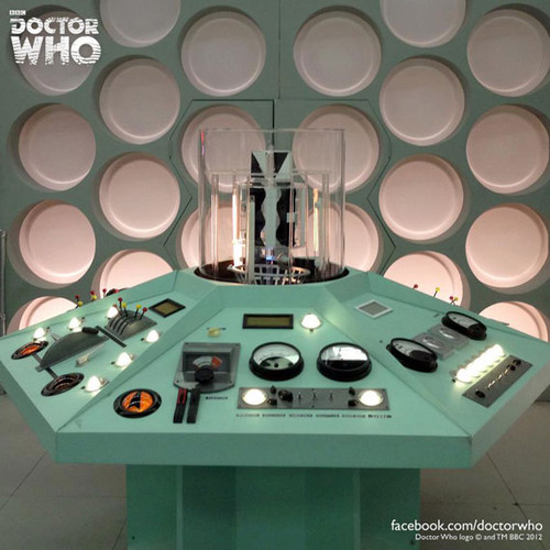 'An Adventure In Space And Time' TARDIS Console! :D