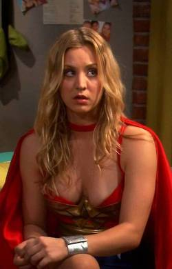 Kaley Cuoco kertas dinding probably with a portrait called Kaley <3