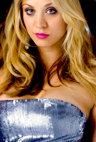 Kaley Cuoco wallpaper containing a portrait and attractiveness called  Kaley <3