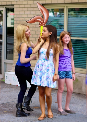02.July - Filming a commercial for Nesquick with Jennette McCurdy in NYC